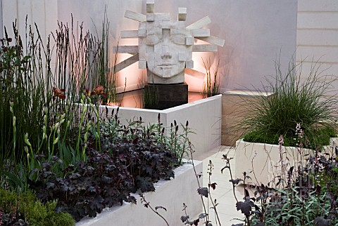 NS__I_GARDEN__DES_FREYA_LAWSON_ROOF_GARDEN_WITH_LIGHTWEIGHT_PLANTERS_AND_SCULPTURE_THE_ARCHITECT_BY_