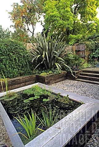 Aj072218 Urban Rear Garden Raised Pond With Wooden R