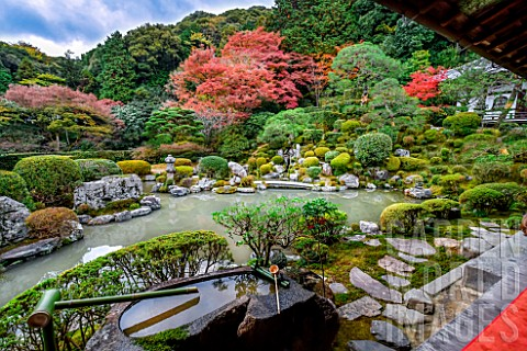 Jojuin_s_garden_in_Kyoto_Japan