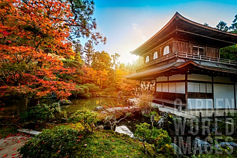 Sunset_in_the_Ginkakuji_temple_Kyoto_Japan