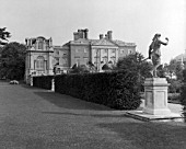 THE WEST FRONT OF COPPED HALL. THE HOUSE WAS BUILT THE MID 18TH CENTURY AND WAS ABANDONED AFTER A FIRE IN 1917.