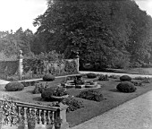 THE PARTERRE GARDEN AT ERDDIG HALL.