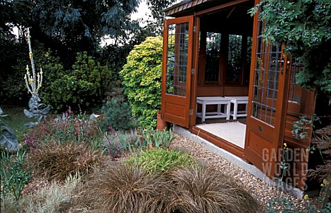 SUMMERHOUSE_