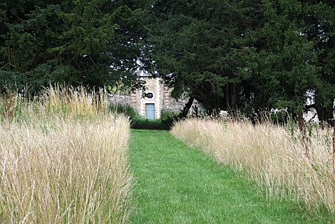 PATH_IN_MEADOW__GRAIN_STORE_EASTON_WALLED_GARDENS__GRANTHAM