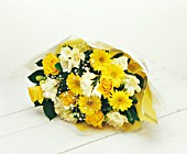 YELLOW AND WHITE THEMED BOUQUET