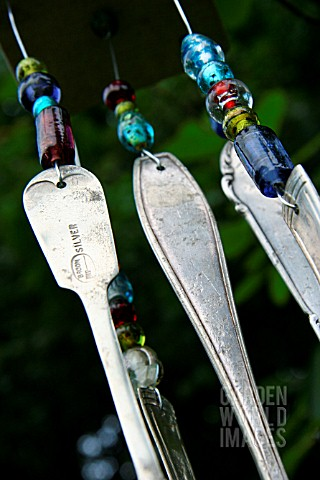 WIND_CHIME_MADE_OF_CUTLERY_DETAIL