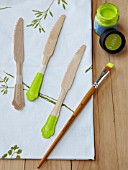 WOODEN CUTLERY PAINTED GREEN, BOTANICAL TABLE PROJECT