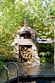 WOOD FIRED OVEN BY JAMIE OLIVER,  THE CHILDRENS SOCIETY GARDEN, DESIGNER MARK GREGORY RHS CHELSEA
