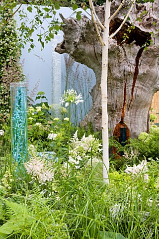 CORNER_OF_THE_WORLD_DESIGNER_NICK_BUSS_AND_CLARE_OLOF_RHS_HAMPTON_COURT_FLOWER_SHOW_2012