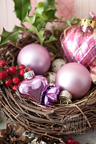 ILEX_IN_BIRD_NEST_WITH_HEART_SHAPED_GLASS_ORNAMENTS