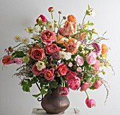 COLOURFUL BOUQUET ARRANGEMENT