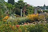 LONG SUMMER BORDER (DYFFRYN GARDENS)