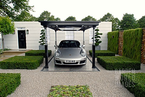 THE_PORSCHE_GARDEN_RHS_HAMPTON_COURT_SHOW_2008_DESIGNERS__SIM_FLEMONS_AND_JOHN_WARLAND