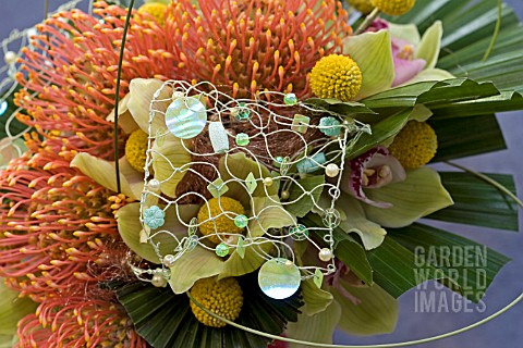 PROTEAS_AND_ORCHIDS_USED_IN_MODERN_BRIDAL_BOUQUET
