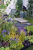 AN URBAN RETREAT, DESIGNED BY PAUL TITCOMBE GARDEN AND LANDSCAPE DESIGN, GARDENERS WORLD LIVE 2009