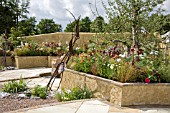THE APPLE JUICE GARDEN, DESIGNED BY SADIE MAY STOWELL, AWARDED BRONZE