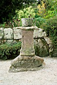 OLD STONE PEDESTAL CONTAINER (ABBEY GARDENS, TRESCO,  SCILLY ISLES)