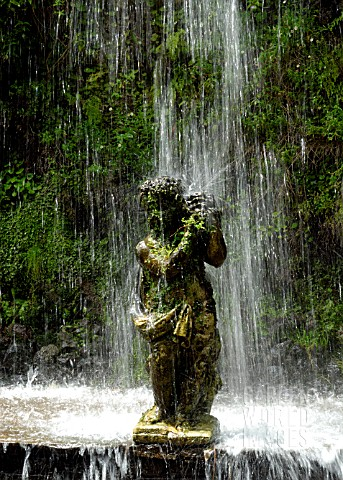 STATUE_WATERFALL_MONTE_PALACE_TROPICAL_GARDEN_MADEIRA