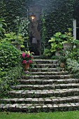 STAIRS FLOWERS. RAMPE COUGREENE OF IVY. POT, CONTAINER  HORTENSIA, HYDRANGEA . GARDEN OF LA SOULOIRE (33)