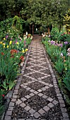 STONE PATH,  DIAMOND SHAPES,  BORDER ON BOTH SIDES