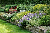 PERENNIAL GARDEN WITH DRY STONE WALL