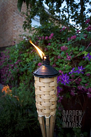 BAMBOO_BURNER_WITH_INSECT_REPELENT_LIQUID_BURNING__FOR_GARDENS
