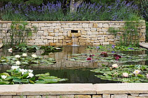 THE_DORSET_WATER_GARDEN_ROMANTIC_CHARM_AT_THE_HAMPTON_COURT_PALACE_FLOWER_SHOW_JULY_2008