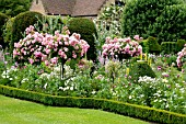 ROSE GARDEN, CHENIES MANOR, BUCKINGHAMSHIRE